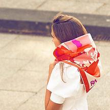 foulard-carré-la-montagne-rouge2.jpg