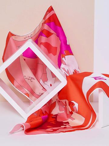foulard-carré-la-montagne-rouge3.jpg