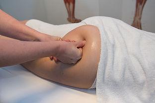 Massage af balder og lår