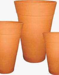 Vasos cônicos de barro