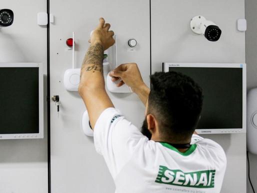 Editais abrem mais de 6 mil vagas em cursos gratuitos no Senai