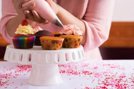Bolos, tortas e doces: venha dar os primeiros passos e desenvolver suas habilidades de confeitaria
