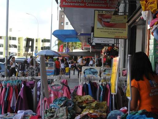Decreto define datas para reabertura de centros comerciais, comércio de rua e academias