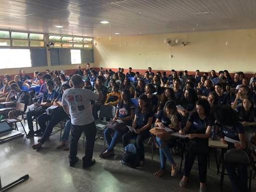 Alunos do IESB promovem palestra sobre empreendedorismo jovem em Ceilândia