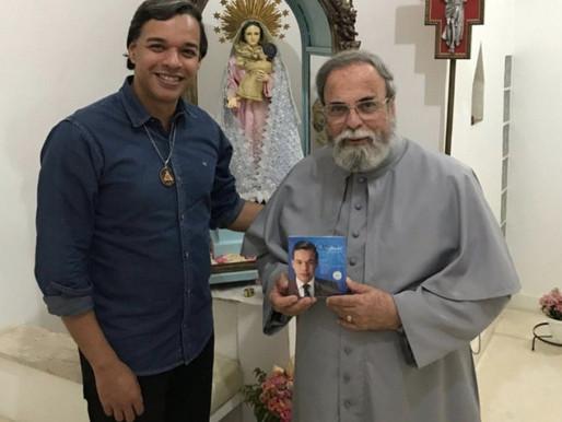 Jantar beneficente em Ceilândia com presença do Padre Antônio Maria arrecada fundos para orfanato