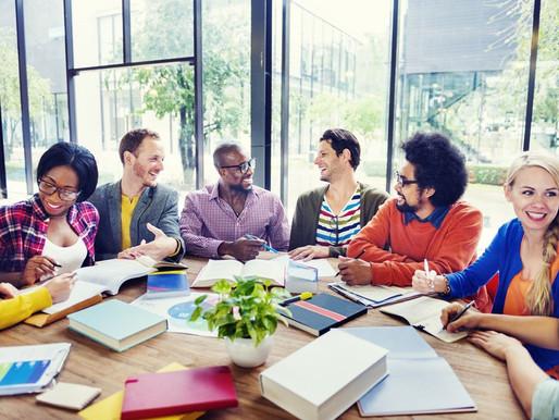 Empreendedorismo é incentivado na faculdade e jovens desenvolvem seus próprios negócios
