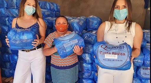 Voluntários entregam 400 cestas básicas a moradores de Ceilândia