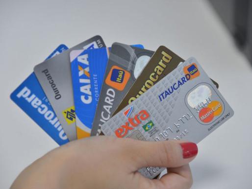 Clientes de baixa renda são os que mais reestruturam dívidas de cartão