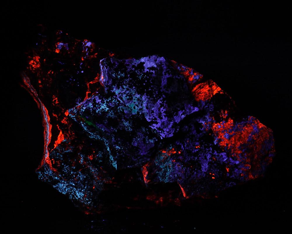 Calcite, Aragonite, Hydrozincite and unknown Constante Mine