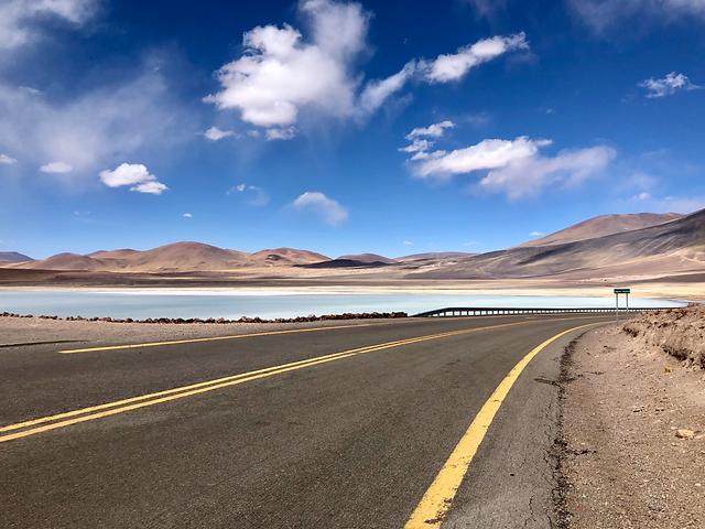 road-in-Atacama-Desert-by-jerilyn-forsythe