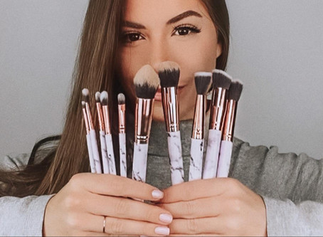 Como escolher os pincéis de maquiagem