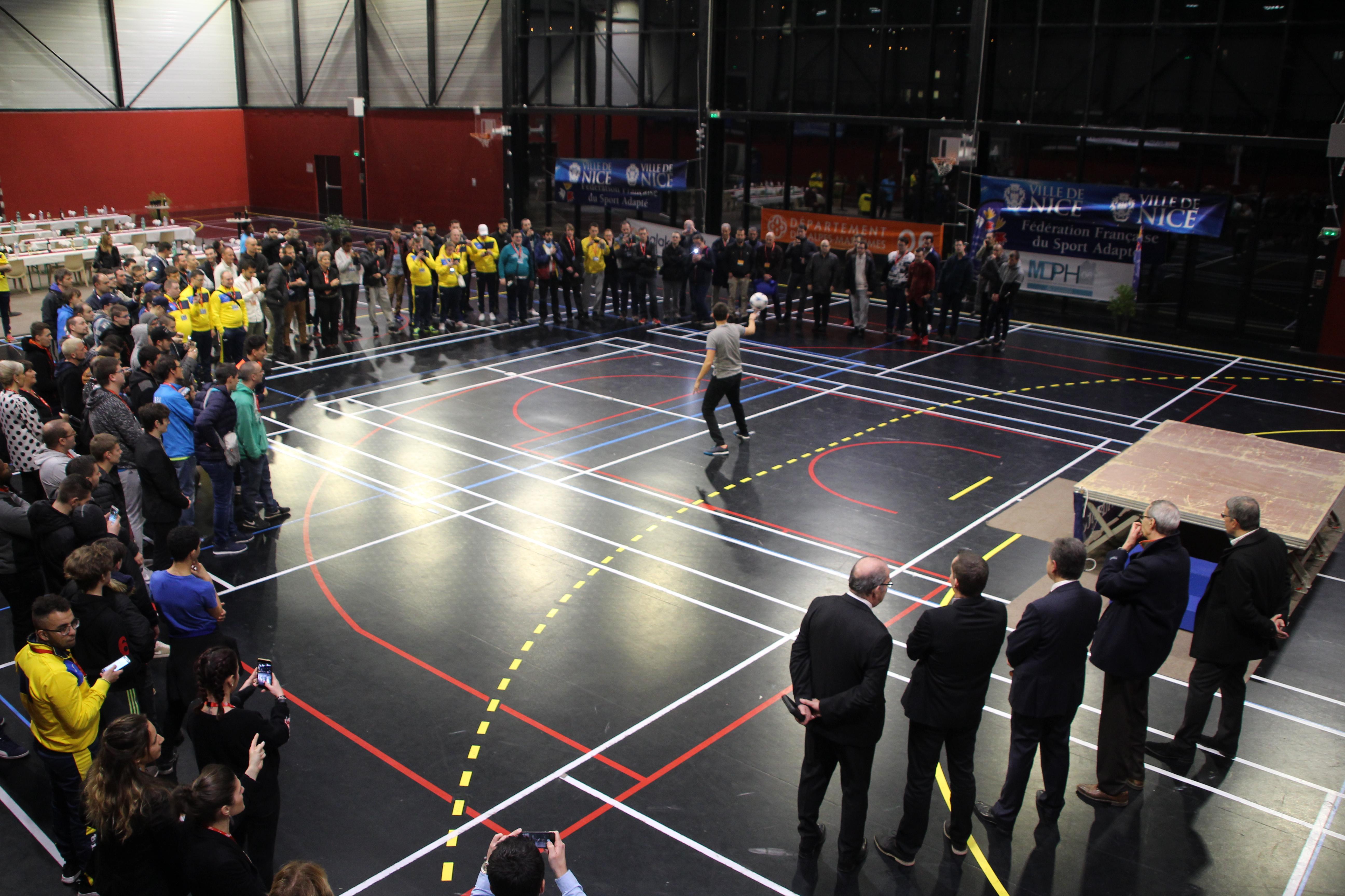 Show Football Freestyle à Nice par le freestyler professionnel Corentin BARON de l'équipe Trick Me p
