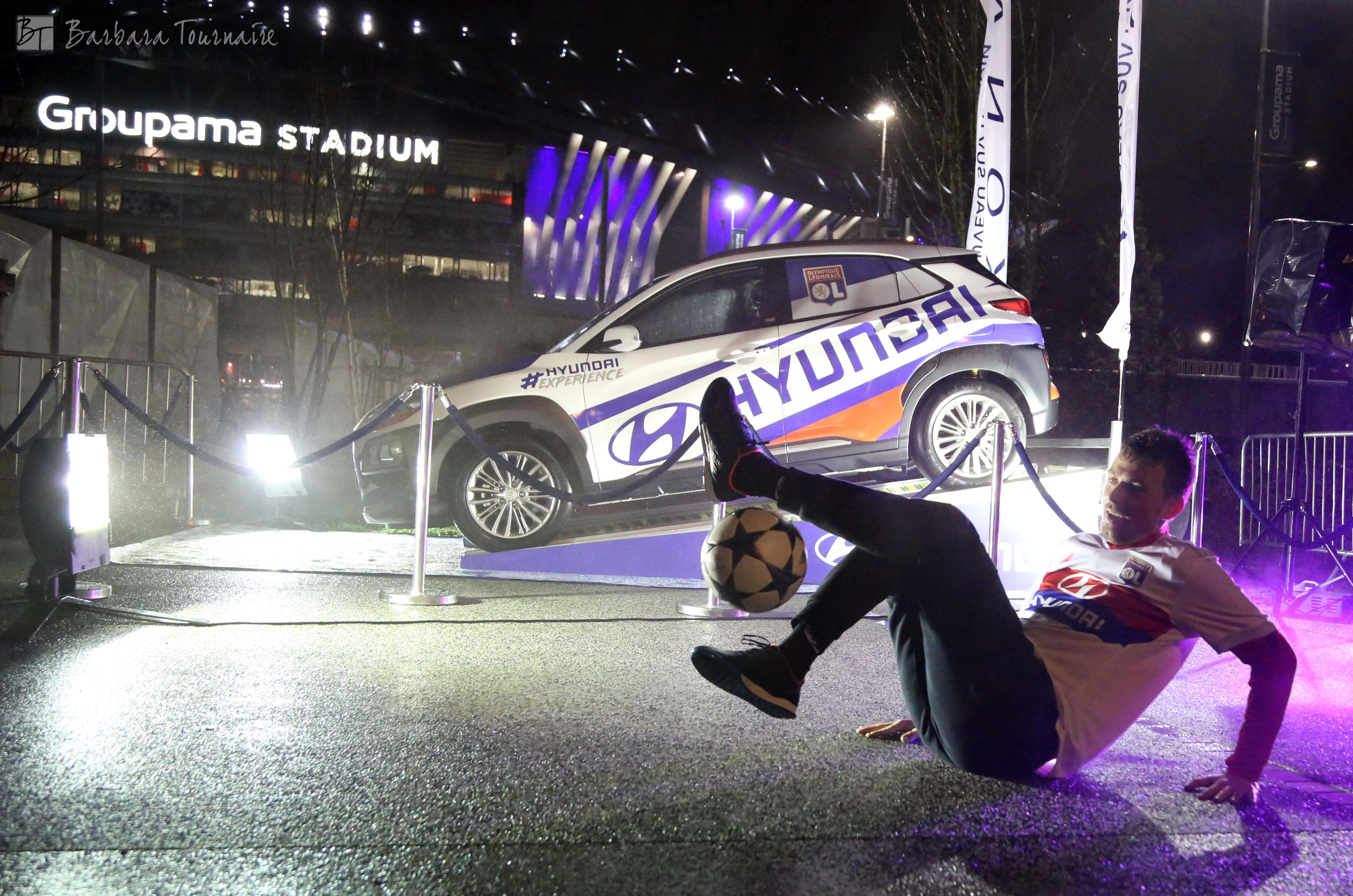 Show football freestyle avec le freestyler Corentin BARON. Animation pour Hyundai et sa voiture KONA