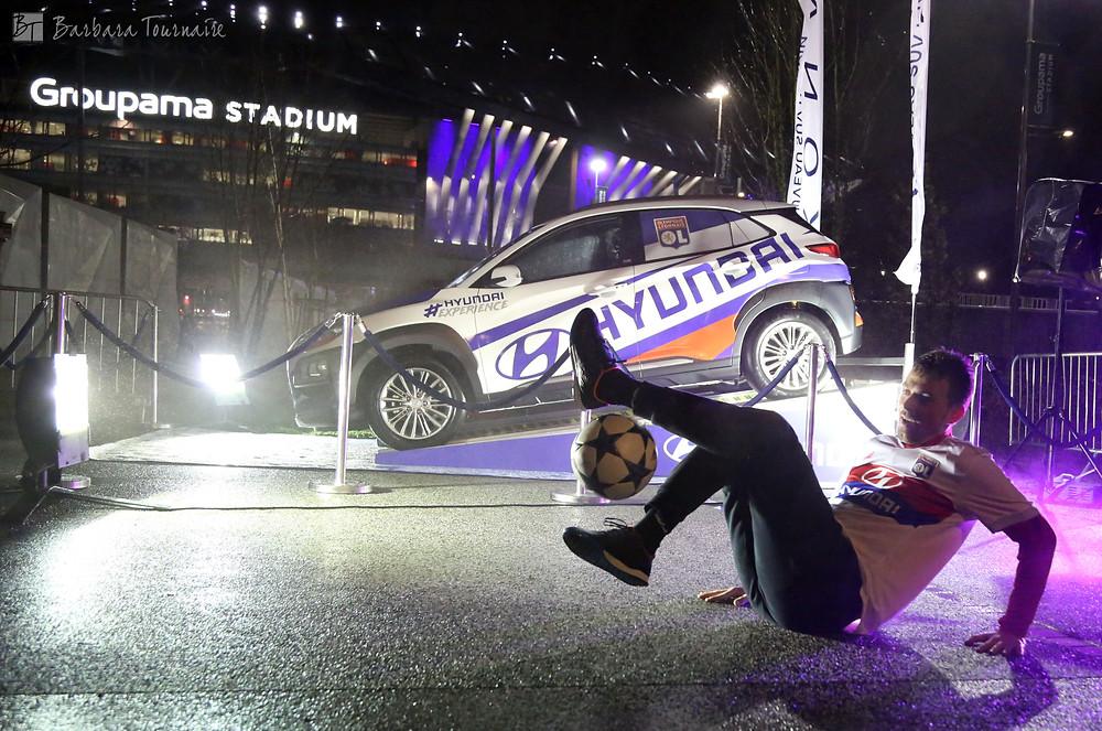 Animation football freestyle pour l'Olympique Lyonnais et Hyundai. Corentin était au groupama stadium sur le parvis du stade à Lyon pour un show football freestyle pour Hyundaidans le cadre du match de ligue 1 conforama contre l'Olympique de Marseille.