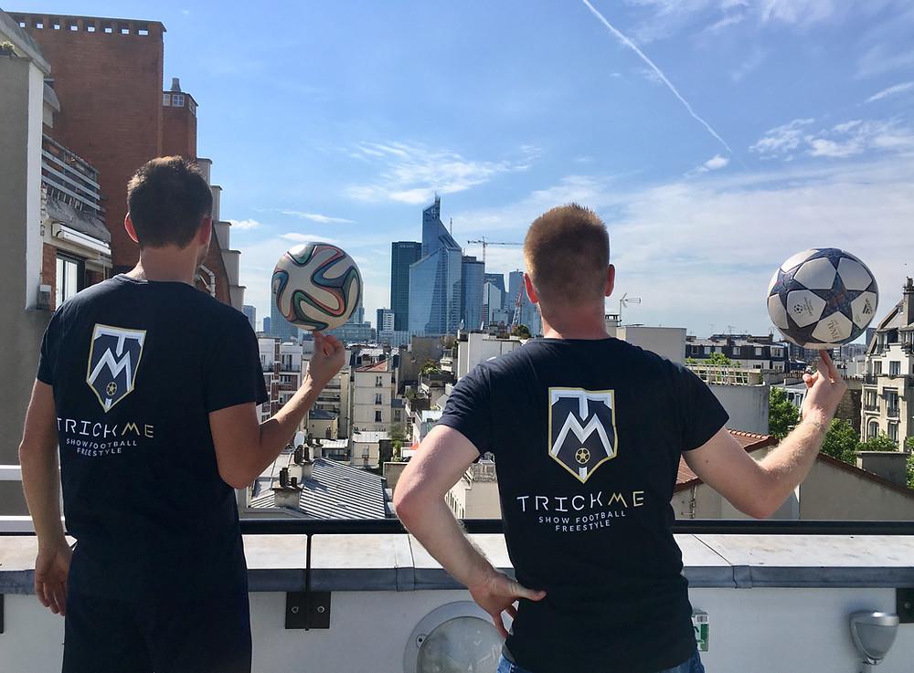 Tournage Football Freestyle sur les toits de Paris avec les freestylers de l'équipe Trick Me pour la promotion d'un évènement.