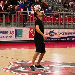 Démonstration Football Freestyle pour un tournoi de futsal