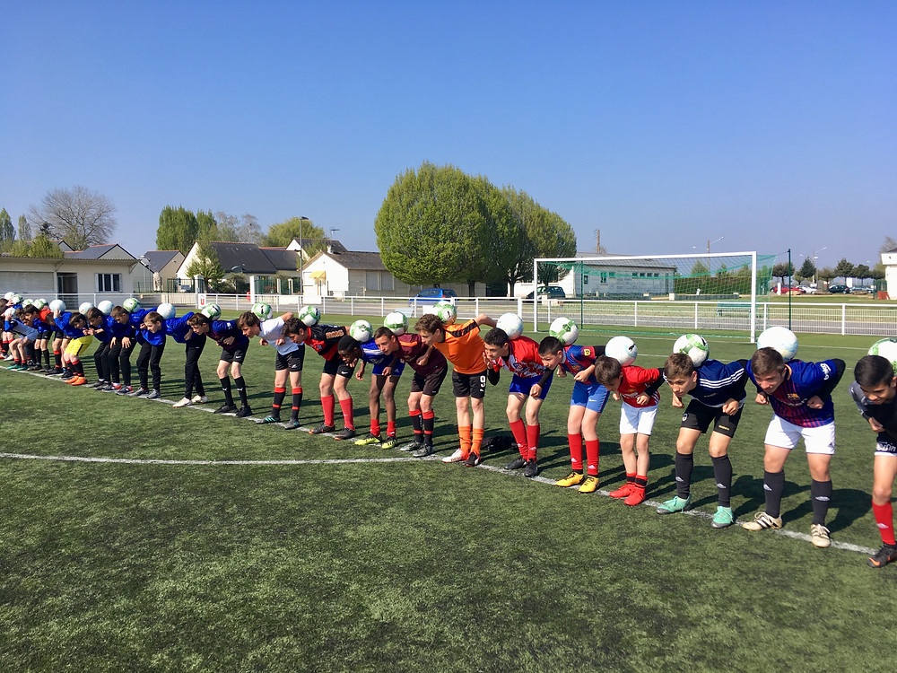 Corentin Baron était dans un club de football près d'Angers pour 2 jours de stage Freestyle Football. Les jeunes du club ont pu apprendre les tricks et figures avec le ballon grâce aux démonstrations et initiations comme le slap, le tour du monde, le blocage sur la nuque, le cross over...
