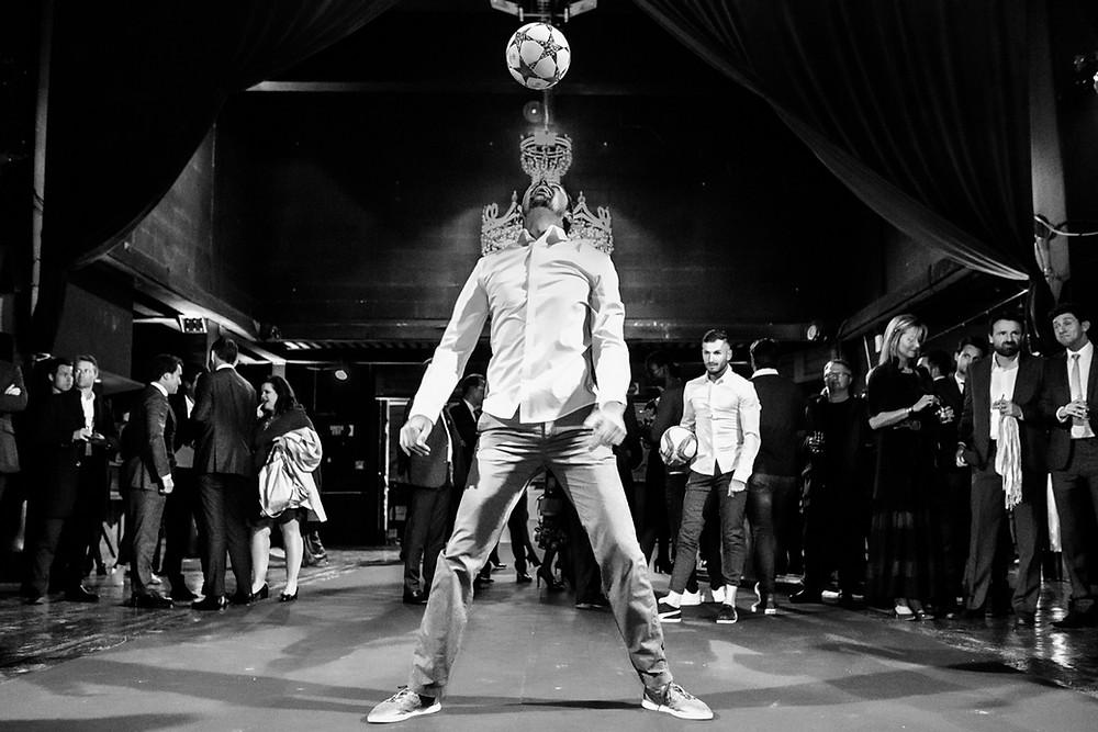 Spectacle pour la soirée de gala de l'Olympique de Marseille. L'équipe Trick Me était à Marseille pour un show football freestyle pour l'Olympique de Marseille. Une animation en duo réalisée devant les joueurs de l'OM.