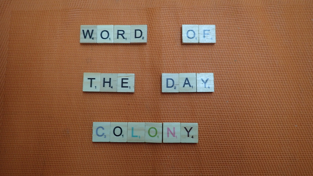 How to pronounce Colony