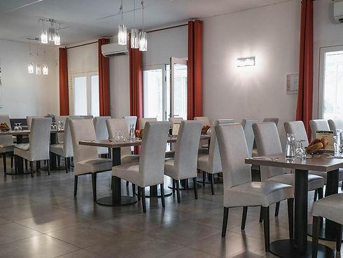 residence-senior-aramons-les-palatines-marsillargues-restaurant-2.jpg