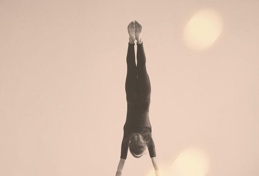 Gymnast on a Bar _edited_edited.jpg