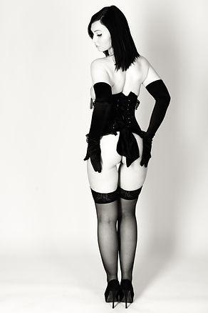 eliza kama boudoir burlesque shoot glove