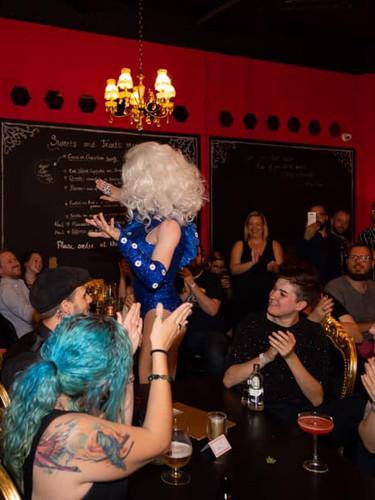 drag and burlesque antwerpen bar.jpg