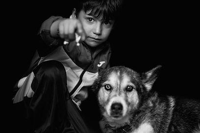 niño y husky, fotografia infantil