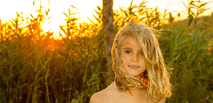 alt niña al atardecer, sunset girl, fototografía Sevilla, fotografo sevilla, fotografia niños sevilla