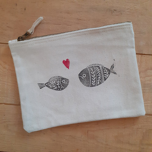 "TROUSSE ""Fish-Kiss"""