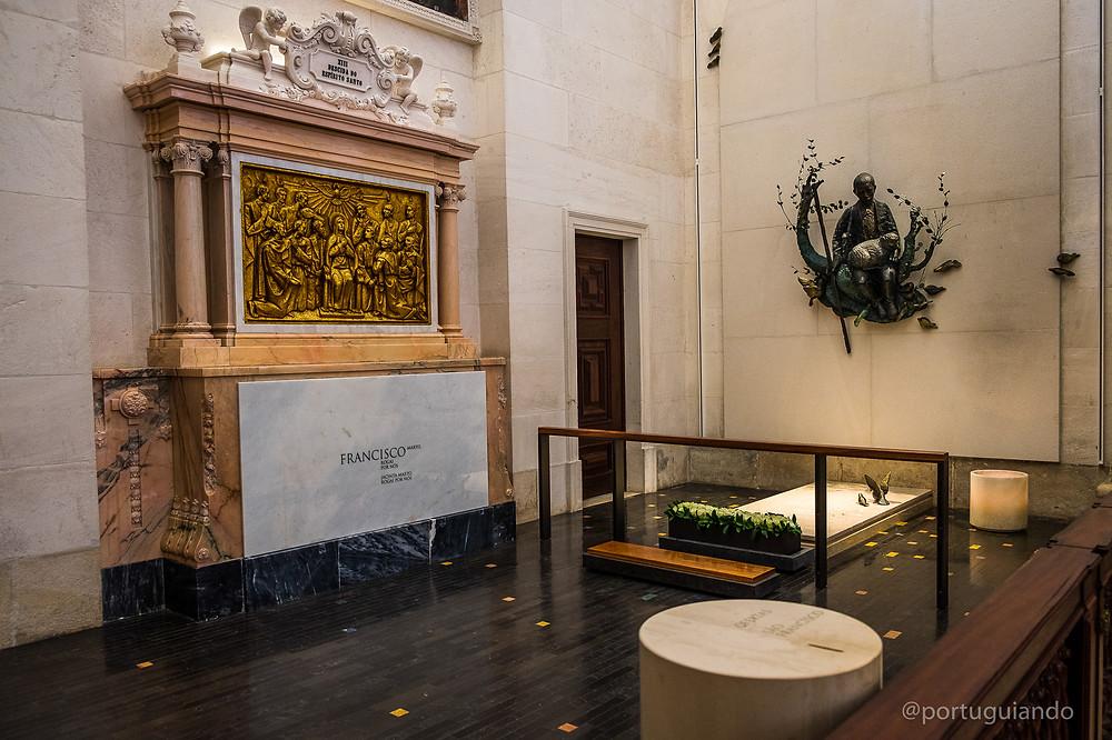 túmulo de Francisco, santuário de Fátima