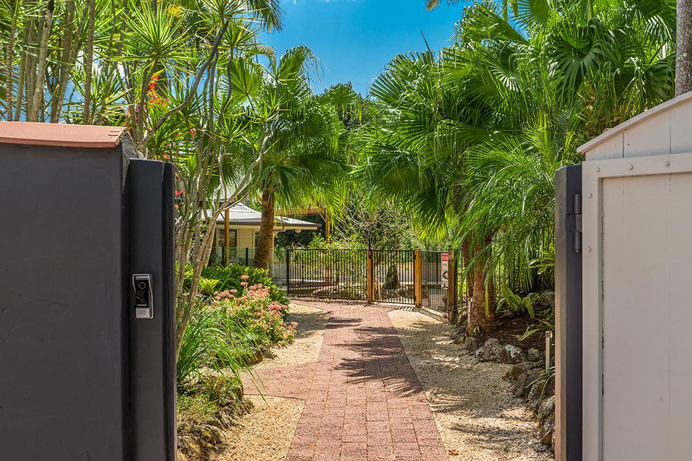 Open the gate to Rockinghorse Estate