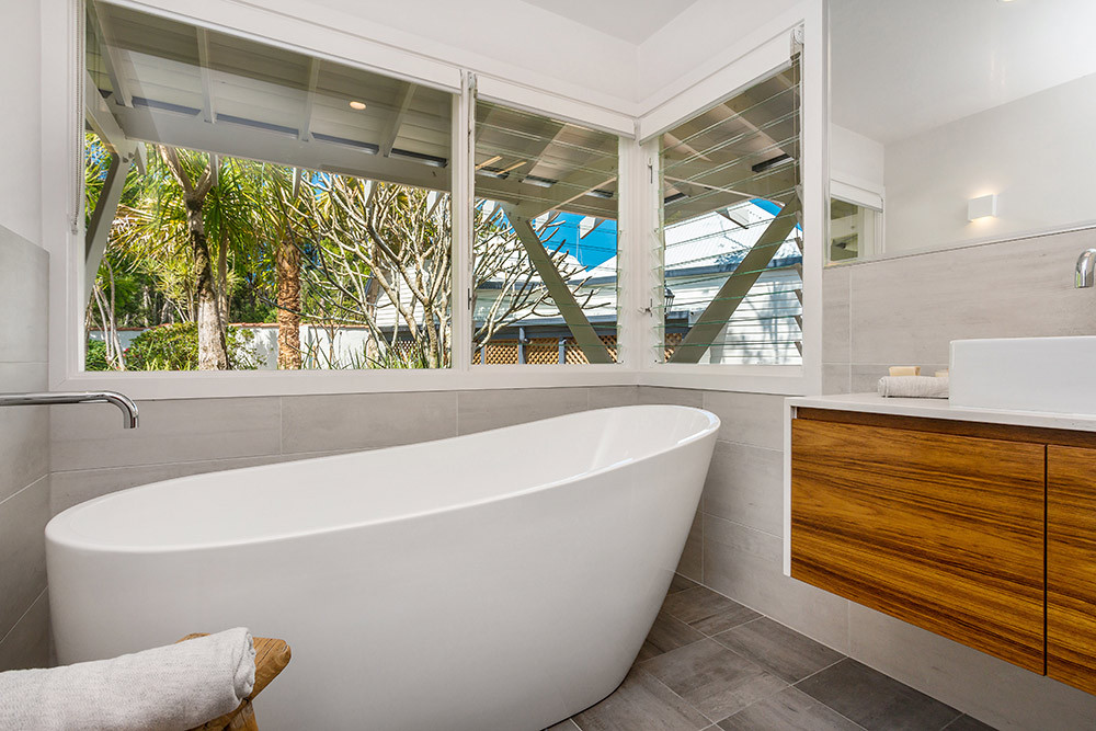 Relax at Rockinghorse Estate Byron Bay