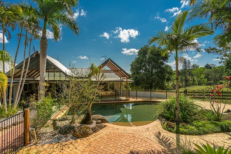 Rockinghorse Estate Resort Pool