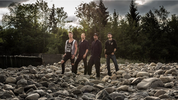 End of Silence lança seu novo vídeo para a canção 'Edge Of The Road'!