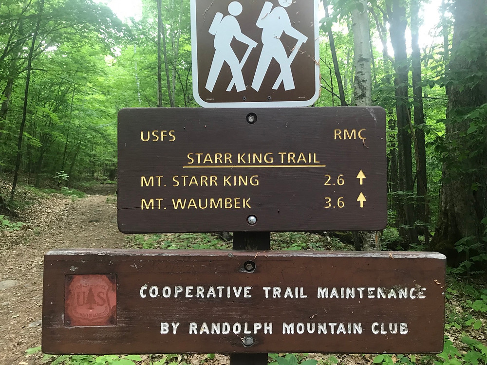 Trail head sign for Starr King and Mount Waumbek