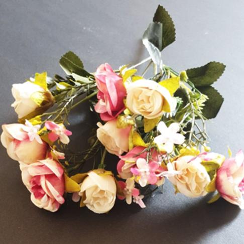 בוקט נוריות ורדים ורוד בהיר- פרחי משי לעיצוב הבית
