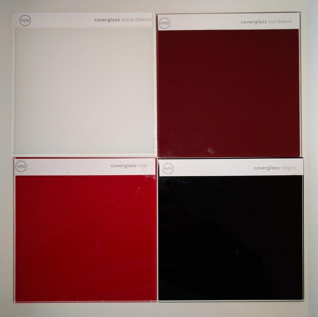 Contraste entre Coverglass Extra Blanco, Coverglass Bourdeaux, Coverglass Rojo y Coverglass Negro