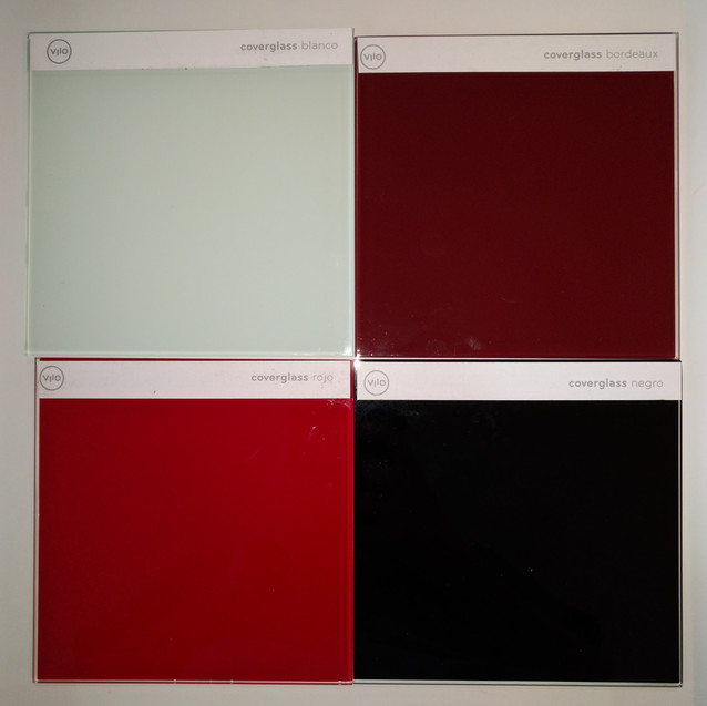 Contraste entre Coverglass Blanco, Coverglass Bourdeaux, Coverglass Rojo y Coverglass Negro