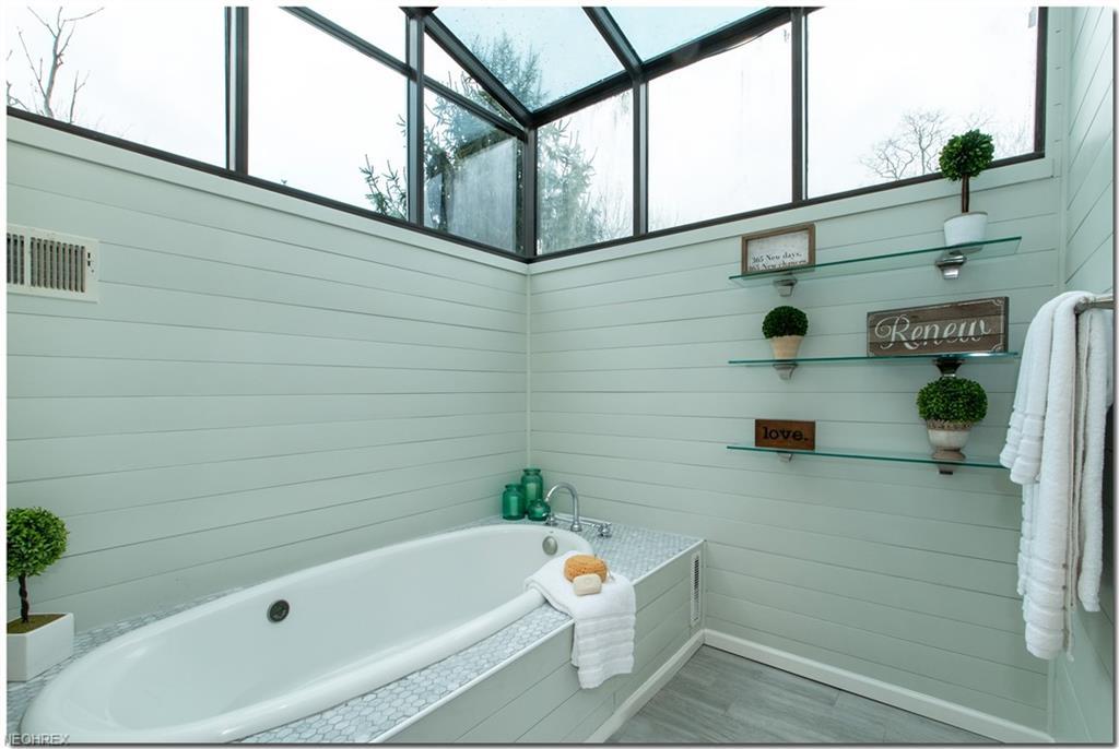 Solon bathroom spa tub.jpeg