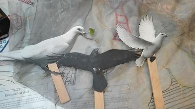 de raaf en de duif.jpg