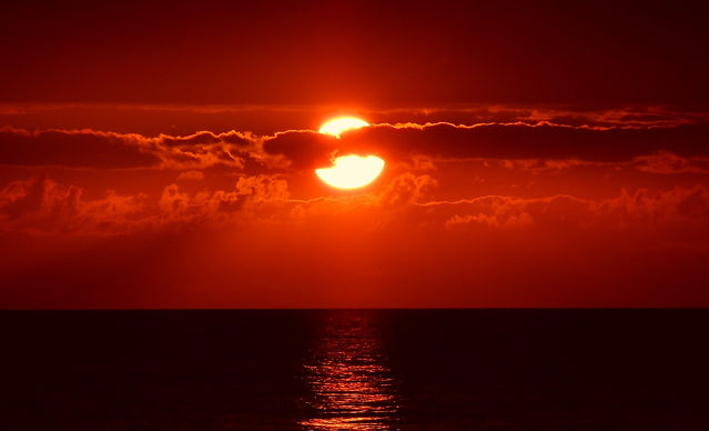 sunset-205717_1920.jpg