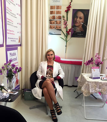 Semi-permanent makeup and microblading trainer