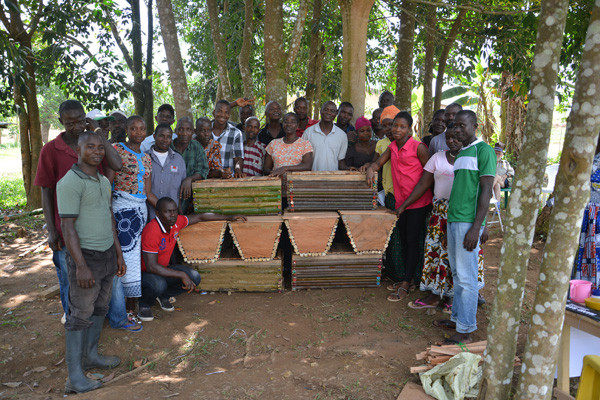 Beekeepers training class