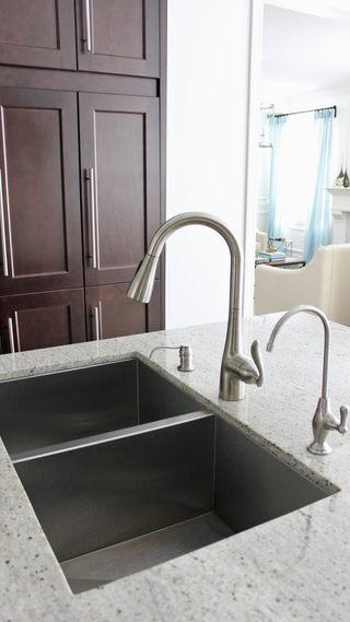 moen kitchen faucet.jpg