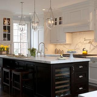 2-tone kitchen color.jpeg