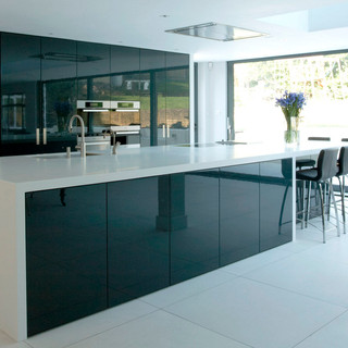 contemporary-high-gloss-lacquered-kitche