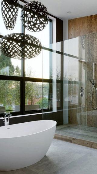 Luxury-bathroom-with-honeycomb-.jpg