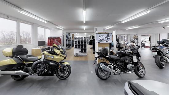Neue BMW Motorräder bei Motos Knüsel in Ebnat.