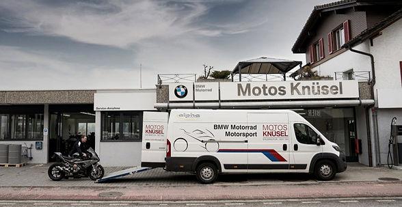 Hol- und Bringservice für Motorräder. Töff einlagern. BMW Motorräder überwintern bei Motos Knüsel.
